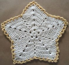 Christmas Star Dishcloth     Original Design by Maggie Weldon