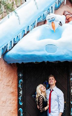 We spy everyone's favorite #Frozen star, Olaf! #Disney #Disneyland