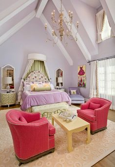 Pretty colors, love the ceiling!