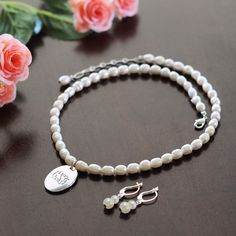 Personalized Freshwater Pearl Pendant Jewelry Set. I love this it's so cute and elegant I want one.