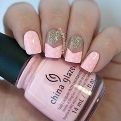 | paulinaspassions: Simple pink polka dots. Read...