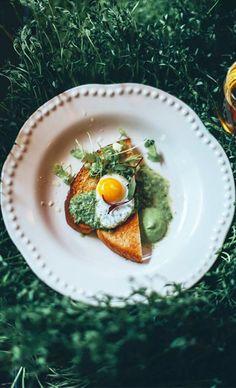 avocado pesto and egg.