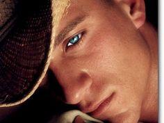 I love his eyes!:D