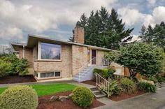 Mid-century gets modern in this Seattle home [Photo of 3801 NE 75th Street on ZipRealty]
