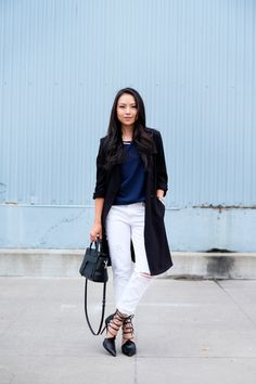 Blogger The Fancy Pants Report shows how to transition Gap white jeans from summer to fall.