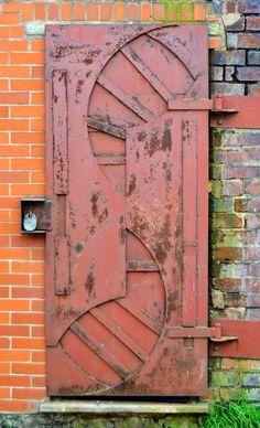 Cradley, West Midlands, England door ..rh