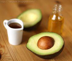 DIY Homemade Hair Care Recipe - Avocado Hair Mask #DIY