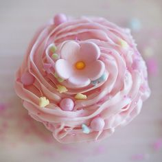 Pink cupcake from the Sprinkles book trailer by Jackie Alpers | Flickr - Photo Sharing!