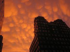 60 insane cloud formations from around the world, Mammatus, Manhattan