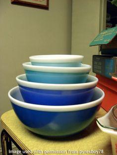 Pyrex Americana Blue Mixing Bowls