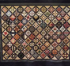 """Farmer's Wife Quilt.  """"Tracking the 6"""" Bear Paw"""" by Sharon Mayer, quilted by Jessica (Jones) Gamez.  2013 AZQG.  Photo by Quilt Inspiration"""