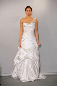 One-shoulder ruching skirt satin sleeveless bridal gown