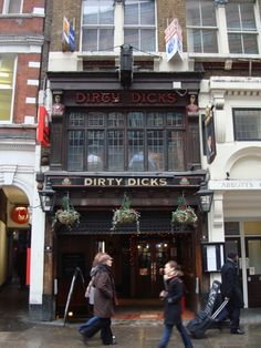 Drink at the Dirty Dicks anyone? :D