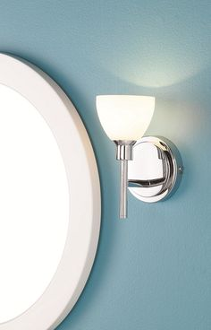 How to install a wall light or sconce installer une for Robinet salle de bain rona