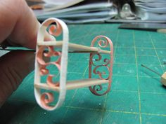 Decorative shelf from quilling paper