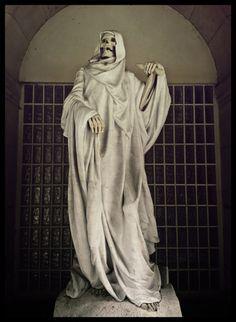 statue of death: paris
