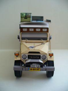 """Toyota """"LandCruising"""" BJ45 Troopy Land Cruiser paper model"""