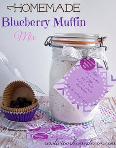 Homemade Blueberry Muffin Mix with Free labels.  Makes great gifts! | http://sewlicioushomedecor.com
