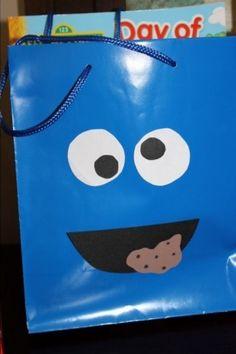 Cookie Monster goody bag - Sesame Street party