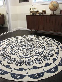 DIY rug. How to turn a tablecloth in to a rug // By Dream Book Design
