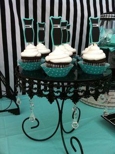 Cupcakes at a  Tiffany party #cupcakes #tiffanyparty