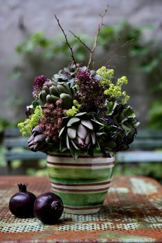 Bouquet with artichokes.