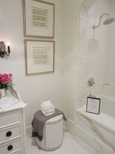 """MARBLE!, arched tub entrance with marble, faucet, beadboard (via Windsor Smith's """"House of Windsor"""", Veranda)"""