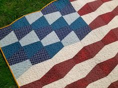 Tumbler Flag Quilt- interesting graphic pattern, flags, tumbler flag, 4th of july, juli, tumbler quilt pattern, patriot quilt, quilts tumbler patterns, flag quilts