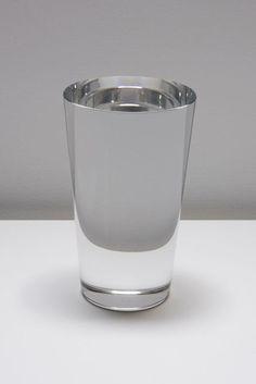Solide pure cristal, Water glass 2, 2008, by Iran do Espírito Santo