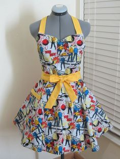 Star Trek Full of Flounce Sweetheart Apron With by AquamarCouture, $37.00