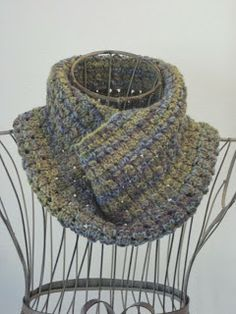 Balls to the Walls Knits: Dewdrop Cowl