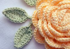 Crochet Rose Leaf by KatiCrafts http://katicrafts.wordpress.com/2013/11/15/crochet-leaf