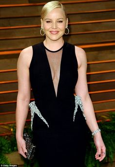 Abbie Cornish plunging cleavage in her black gown worn to Vaniy Fair Oscar party.