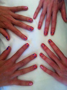 Twitter / heljinx: Nails painted, @VixHolland ...