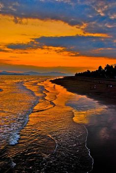 Sunset beach,costa rica