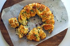 Garlic Cheese Bread - Seasaltwithfood