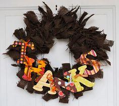 What a cute Thanksgiving wreath!