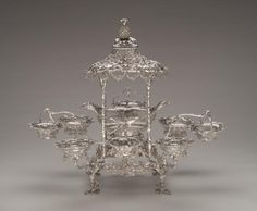 Epergne  (1762-1763) Silver THOMAS PITTS, London (manufacturer)