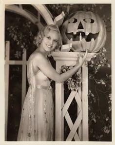 Claudia Dell, circa 1930.