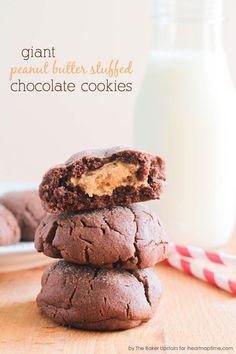 Peanut Butter Stuffed Chocolate Cookies on iheartnaptime.com