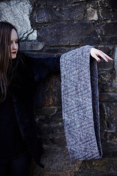 Shandon cowl by Hedgehog Fibres free knitting pattern