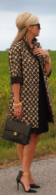 obsessed with her hair, coat, and bag! {fall fashion}