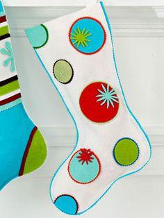 LOVE these stocking!!!! Circles stocking