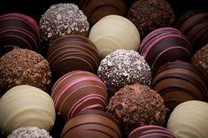 . desserts, balls, easter, chocolates, cakes, food, cake pops, chocolate truffles, chocol lover