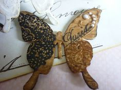 Vintage Roses Cards: Wooden and crackled Butterflies