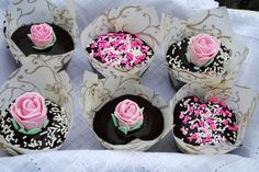 """Passion 4 baking """"After Eight Cupcakes"""