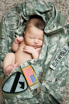 #army baby, #military baby, www.photographybylyndsey.com   Photography by Lyndsey