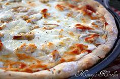 Delicious and Easy Chicken Alfredo Pizza.