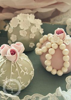 Mini Cakes & Spheres | Cotton and Crumbs