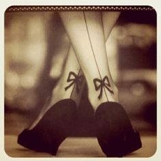 Must find these stockings. nomodellady